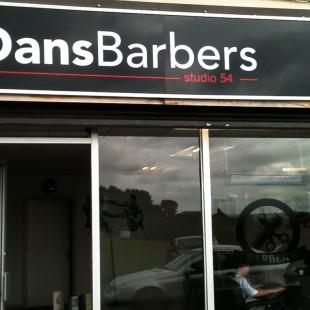Dans Barbers externalsign
